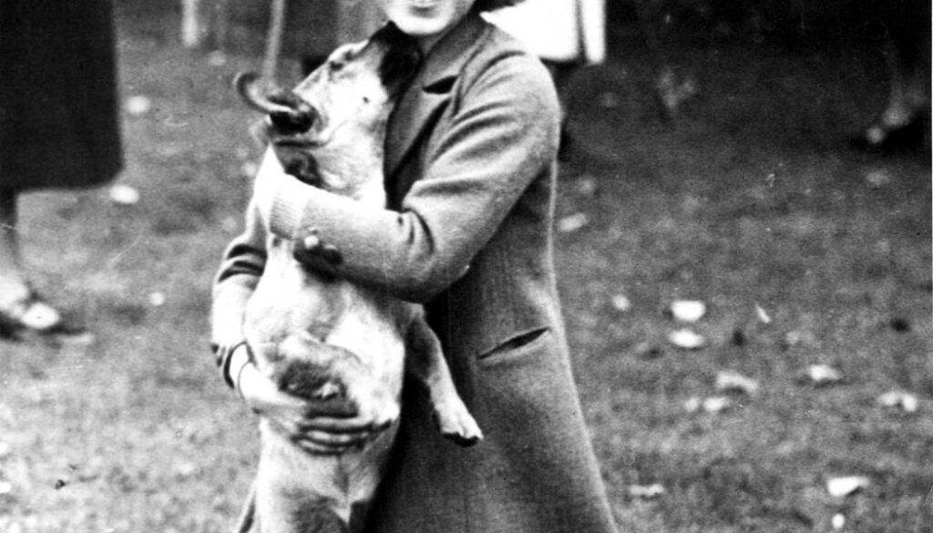 Queen Elizabeth and her dog